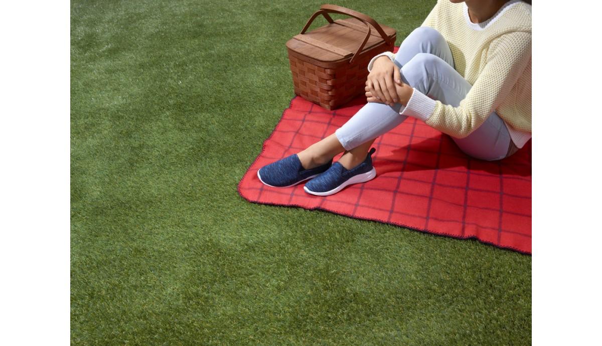 vionic-kea-slip-on-women-s-sneaker-orthaheel-technology-navy-in-feet.jpg