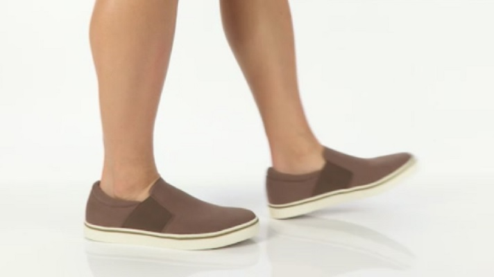 vionic-maddox-men-slip-on-shoes-on-foot.jpg