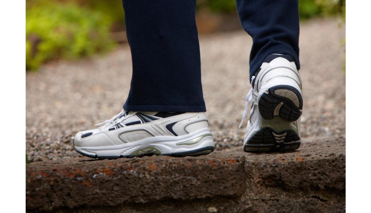 vionic-men-walker-tennis-shoe-on-foot.jpg
