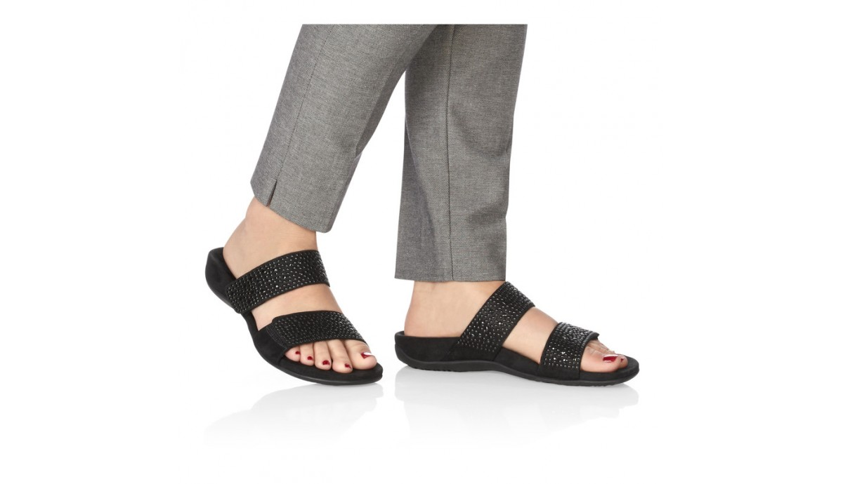 vionic-samoa-orthotic-women-s-leather-sandal-black-on-foot.jpg