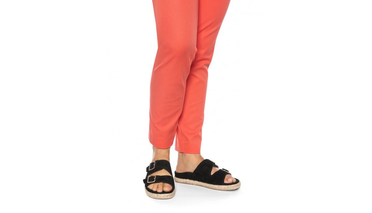 vionic-women-gia-slide-sandal-v-agia-black-on-foot.jpg
